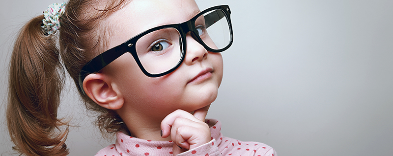 Clinica Bolzan Oftalmologia - Blog - A partir de que idade as criancas podem usar oculos