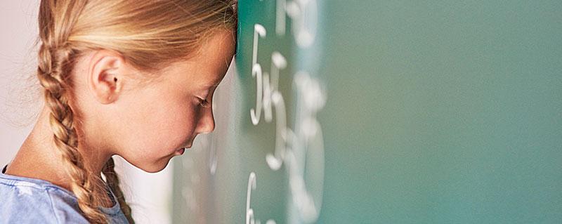 Clinica-Bolzan-Oftalmologia---Blog---4-sintomas-de-miopia-em-criancas-que-voce-precisa-saber