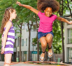 Brincar ao ar livre previne a miopia?